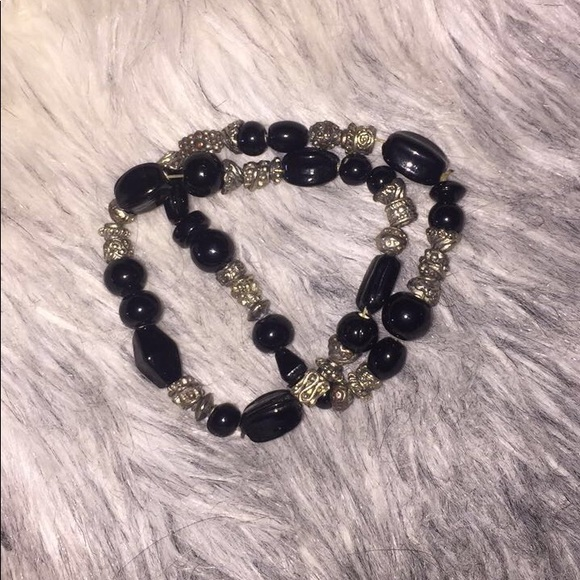 Jewelry - Double matching beaded bracelet 🖤